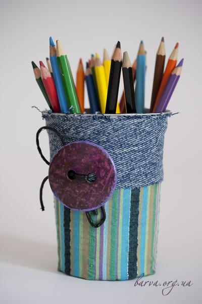Из чего можно сделать подставку для карандашей своими руками