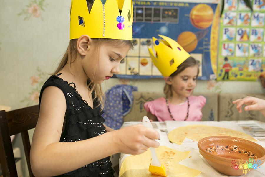 """Сценарій дитячого свята  """"Школа принцес""""."""